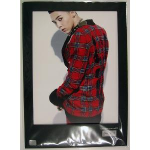[YG Official MD] G-Dragon : Photo -  Space Eight Exhibition - Special Edition